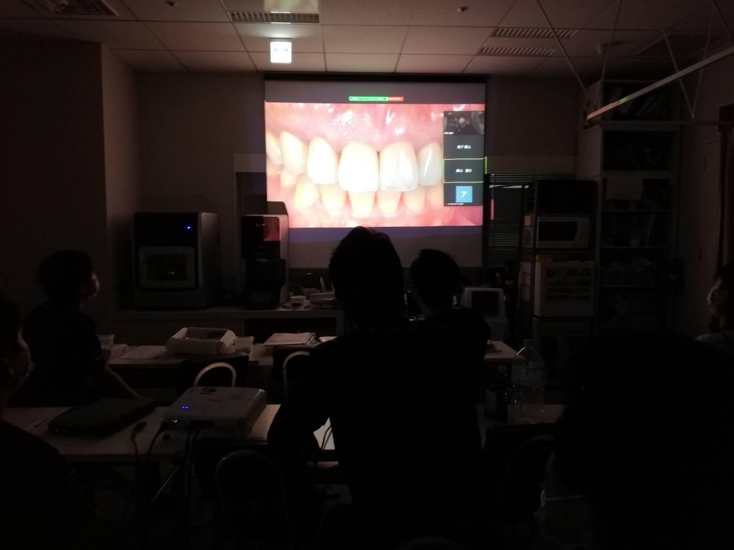 インプラントやセラミックを学ぶ勉強会を開催しました